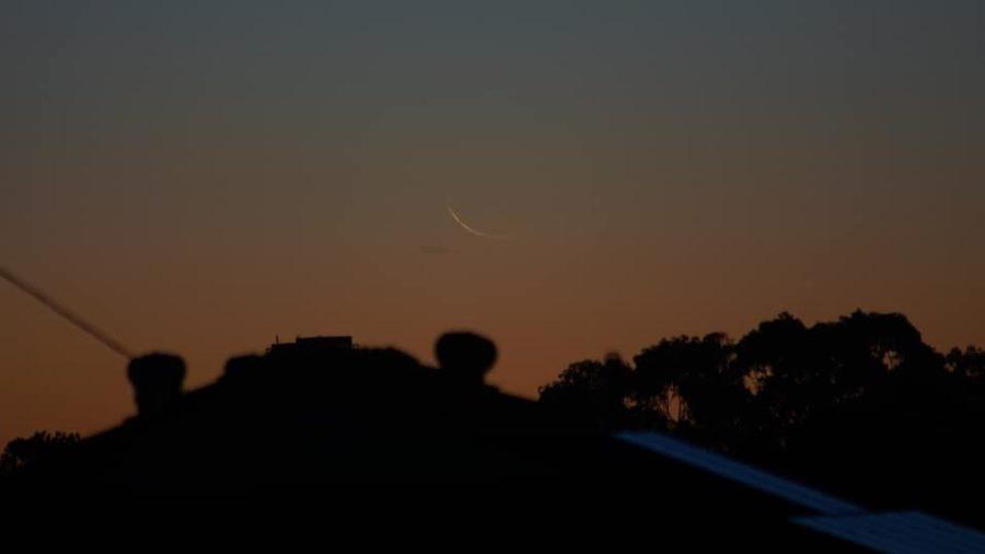 Foto hilal 1 Sya'ban 1442 H terlihat secara kasat mata dari Perth, Australia pada petang hari Ahad, 14 Maret 2021.